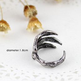 Hot selling fashion alloy cheap punk style Exaggerated claw rings