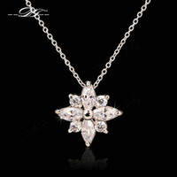 Wholesale Snowflake CZ Diamond Necklaces Pendants Fashion Brand Vintage Crystal Jewelry Jewellery For Women Chains Accessiories DFN401