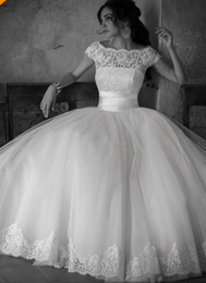 Wholesale 2014 Hot Selling Vintage Wedding Dresses Scoop Neckline Beaded Sequined Crystal Cap Sleeve Lace Tulle Ball Gown Princess Bridal Gowns