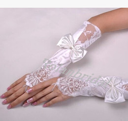 Wholesale Delicate white Fingerless below elbow length Lace Bow Bridal Gloves wedding accessories