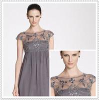 Meilleures ventes 2016 Perles Crew mancherons Une ligne courte en mousseline de soie plage grise mère de la mariée Robes Plus Size Soirée Mère Robes WH609