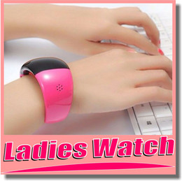 Wholesale Ladies Watch Smart Watch New Bluetooth Watch Mobile Phone Bracelet Watch Wristwatches Caller ID Digital Time Vibrating Alert For Cell Phone
