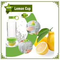 Wholesale 3 Colors Citrus Zinger Fruit Infusion Water Bottle Citrus Zinger Water Bottle With Citrus Juicer Lemon Cup