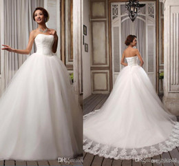 Wholesale Hot Sell Elegant Popular Ribbons Strapless White Embroidery Tulle Ball Gown Wedding Dresses Court Train Lace up Bridal Gown