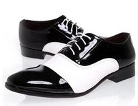 Wholesale famous footwear mens shoes black and white color matching lace up flats sole man leather shoes