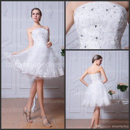 Wholesale Strapless Short A line Tulle Wedding Dresses with White Lace Applique Beads Summer Beach Knee Length Bridal Gowns under BZP0376