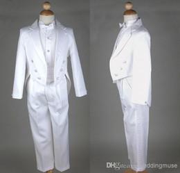 Wholesale Hot Fashion White Custom made High quality Wedding Men s Dress Groom Wear Accessories Boys Attire Groom Tuxedos