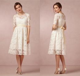 2018 Short Wedding Dresses Jewel Neck Vintage Lace Beach Tea Length Bridal Gown With Half Sleeves DL1313237