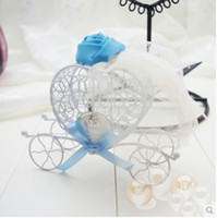 Wholesale Romantic Fairytale Carriage Candy Boxes Thin Plate Rose Decorated Ribbon Colors Wedding Favors Party Gift Boxes Holders CB009