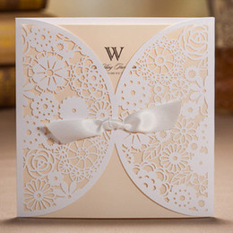 Wholesale 2014 New White Hollow Flowers Wedding Invitation Card with Envelopes and Seals