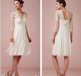 Stunning Short Beach Wedding Dresses V-Neck 3 4 Sleeve Knee Length Column Lace Chiffon Lovely Bridal Gowns Custom Made W9