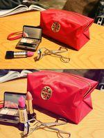Gros-2013 New femmes européennes Voyage cosmétiques Cas pliantes Make Up Bag Designer bonbons couleur Petits Sacs Livraison gratuite