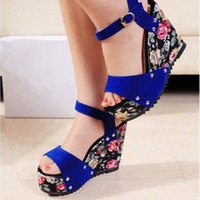 Women Spool Heel PU Sandals For Women Wedge Platform Sandals Women Wedges Peep Toe Floral Shoes For Women Free Shipping XWZ147