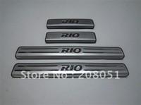 la livraison gratuite! KIA RIO en acier inoxydable de seuil de porte plaque de porte d'entrée de la garde seuil de la porte de protecteur de 4pcs