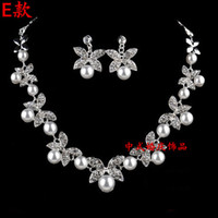 Wholesale Bridal necklace earring Crystal Pearl Wedding Bridesmaids Clear Rhinestone Jewelry Set Prom Bridal Accessories in stock Shiny metal