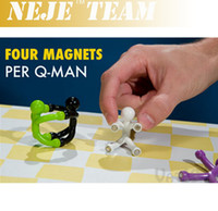 Wholesale Novelty Mini Flexible Q Man Magnet Magnetic Toy Pliable figures with magnetic hands and feet holding papers color