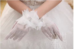 Wholesale Short Bridal Gloves Full Finger Wrist Length Sparkle Crystal Charming In Stock Wedding Accessories China WX