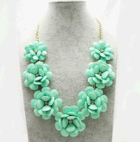 Wholesale New Fashion Pearl Chunky Statement Big exaggerated necklaces Big flower necklace candy color flowers yakeli necklace