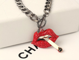 Wholesale European Statement Pingente Colares Sexy Red Lip Smoking Cigarette Colares Collarbone Necklace Exaggerated New Fashion