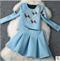 ladies skirt suits - New Arrival Polyester Fall Ladies Fashion Women Sets Plaid Embroidered Long Sleeved T shirt Pleated Skirt Beautiful Two Pieces Suits