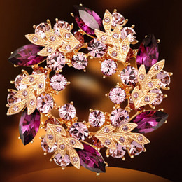 Wholesale Wedding gemstone brooch rhinestone crystal gold alloy bouquet brooches pins Christmas brooches clips dress scarf tie pin women charm jewelry