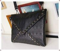 Clutch Bags Men hollow out 1PC New Fashion Korean Designer Rivet Envelope Single Shoulder Women Bag Skull Clutch Crossbody Punk Brand Handbags Free Shipping