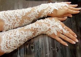 Wholesale Extra Long Wedding Gloves French Lace Long Gloves Ivory White Lace Fingerless Gloves Bridal Gloves Wedding Accessory Victorian