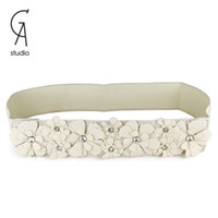 Wholesale Hot Sale White Leather Belts Elegant Flower With Flash Crystal Fashion Women Belts For Accessories