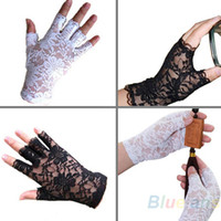 Wholesale New Goth Party Sexy Dressy Women Lady Lace Gloves Mittens for Wedding Bridal AccessoriesFingerless Black White