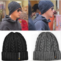 Wholesale hot sale quality winter new men s knitted crochet hats beanies skull caps