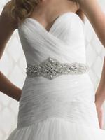 Beaded belts shine - 2014 Popular Shining Bridal Sashes Crystals Beadings Luxury Wedding Belts Bridal Accessories