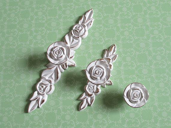 2017 Shabby Chic Dresser Drawer Knobs Pulls Handles Creamy White Gold Rose  / Flower Kitchen Cabinet Knobs Handles Pull
