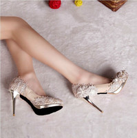 Wholesale Hot Promotion Luxury Bridal Shoes Lace Appliques Leather Wedding Shoes Rhinestone Almond Head High Heel Evening Party Banquet Dress Shoe