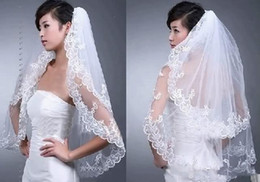 Wholesale 2014 New Wedding Accessories White Ivory Fashion Short Two Layer Lace Bridal Veils With Comb Appliques High Quality