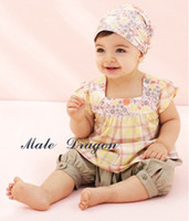 Wholesale new summer short sleeved T shirt pants hat free transport little girl Parure baby fitted