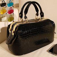 Women doctor bag - Women leather Crocodile Skin pattern Handbag Messenger Bags Bolsas Femininas doctor bag patent Ladies Bag Fashion BagsTotes croc