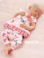 al por mayor venta al por mayor vestidos próximos--Al por mayor libre del envío de la mariposa verano del próximo bebés del vestido de la camiseta de pantalones cortos infantiles del niño de dos piezas de los juegos de los niños fija Equipos