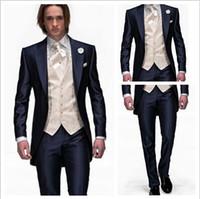 al por mayor solapas de-Fashion 2016 nuevo estilo azul marino un botón novio esmoquin mejores hombres solapa solapa hombres novios boda traje novio (chaqueta + pantalones + corbata + chaleco)