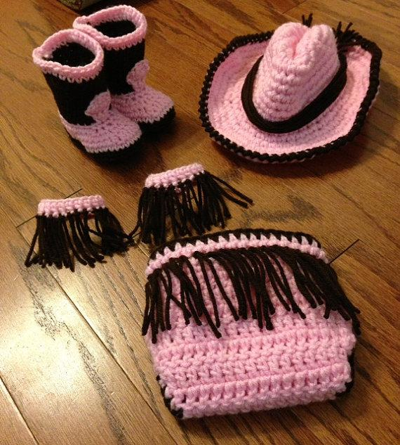 16 Beautiful Handmade Baby Gift Sets with Free Crochet ...
