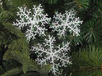 Wholesale cm Christmas Outdoors Decorating White Plastic Christmas Snowflake Sheet Ornament Merry Xmas Tree House Decoration