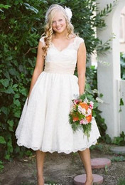 Lace Tea Length Wedding Dresses Cap Sleeve V-Neck Sash White Ivory Vintage Lace Short Bridal Gowns 2019 Hot Sales Custom Made