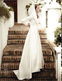 Wholesale Custom Make Hot Selling Long Sleeve Charming Bridal Cloak Long Cape Coat Bolero Satin Fabric Bridal Wraps Jackets