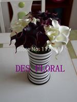 al por mayor paquetes reales-Flores artificiales por mayor- 1 LOT ENVÍO GRATIS TACTO VERDADERO de mini calla haz lirio ( blanco + violeta) para las flores de la boda