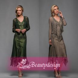 Wholesale Best seller mère court formelle de gaine de la mariée Robes col V avec manches longues manteau paillettes robes de bal soirée élégante perlé