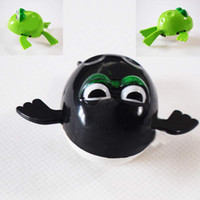 Cheap 10PCS Lot Free Shipping Clockwork Diver Toy Pool Water Swimming Frog Wind-up Toy For Baby Kid Children FZ1952