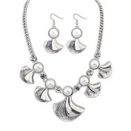 Wholesale Peearl of Ginkgo biloba flowers Retro necklace set girls jewelry women accessories
