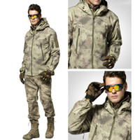Wholesale Outdoor Camping Hiking Jackets TAD Soft Shell Shark Multifunctional Jackets Tactical Suits Photogragher Pockets Clothes Windproof Waterproof