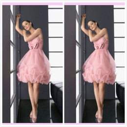 Wholesale Charming Homecoming Dresses Pink Strapless Corset Bow Sleeveless Short With Organza A Line Cocktail Dress Prom Gowns Cheap