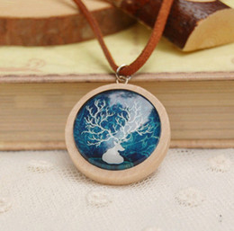 Christmas Deer Pendant Necklaces Leather Cord Pendant Handmade Good Wood Necklaces XL104