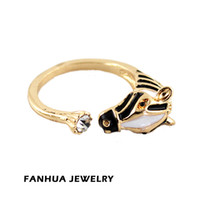 Cheap Fashion 2014 Summer Gold Color Alloy Black Enamels Midi Horse Rings for Women Gift